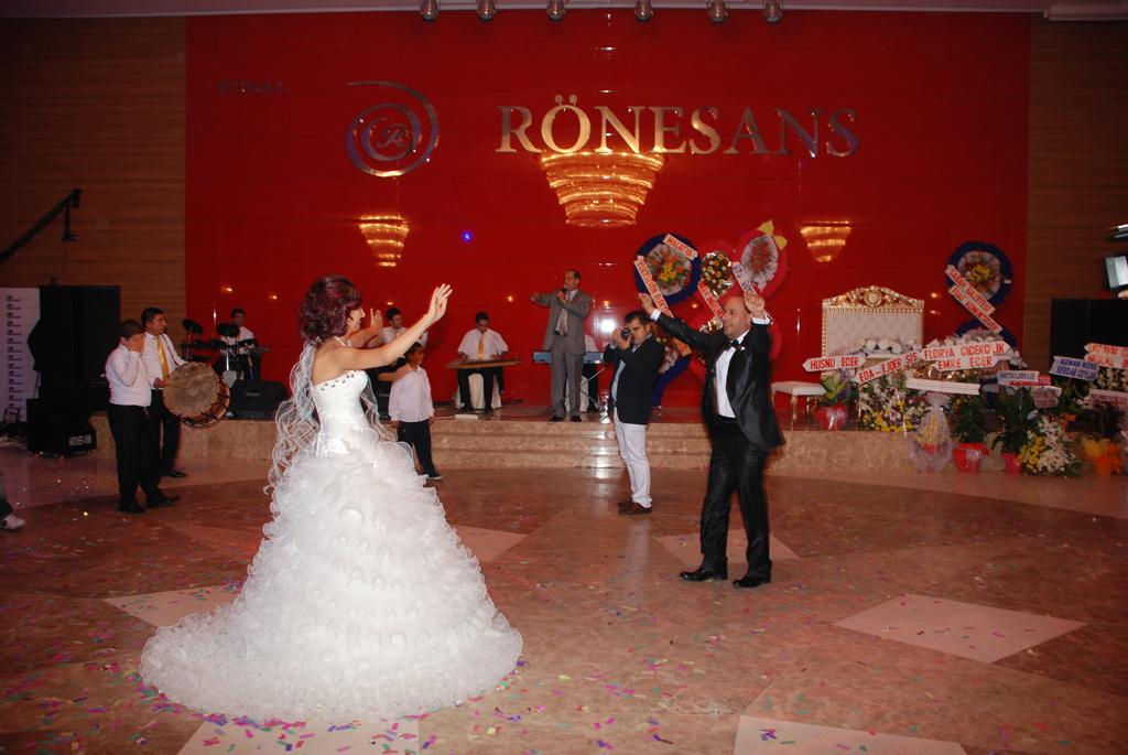 Salon paris rönesans düğün nişan sünnet kına gecesi